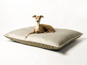 charley-chau-luxury-dog-bed-velour-cloud-silver