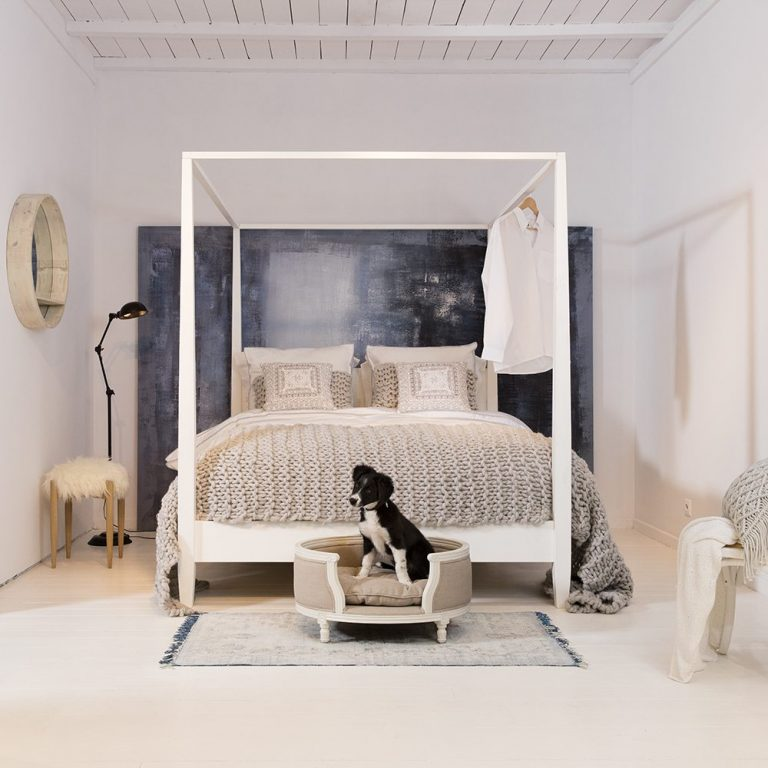 lord lou luxury dog bed