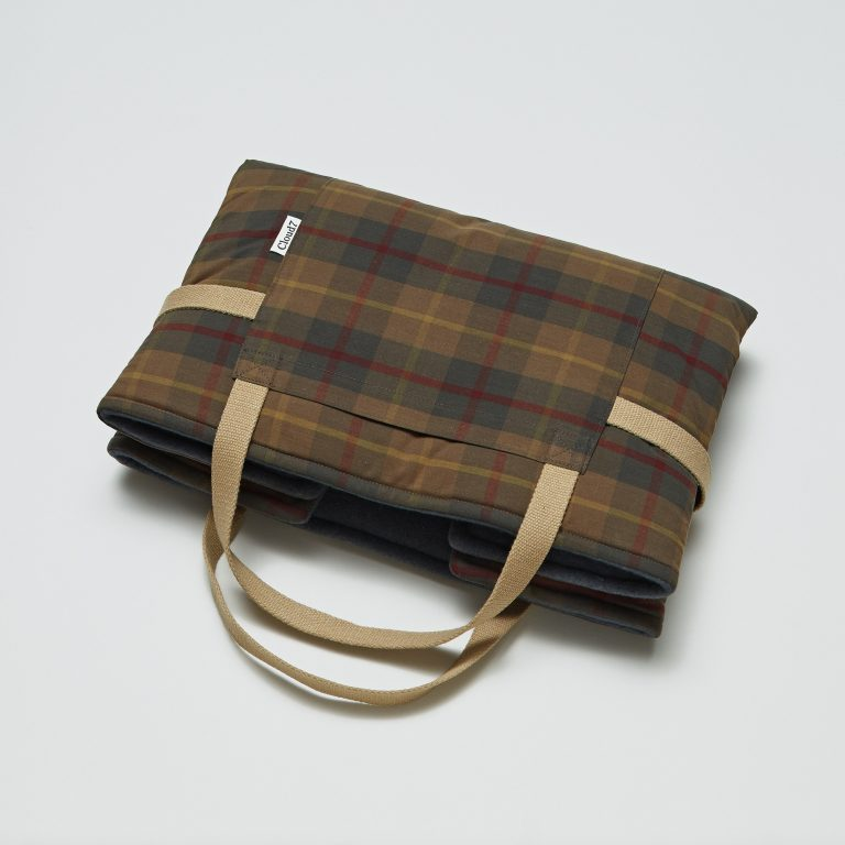 cloud7-travel-bed-tartan